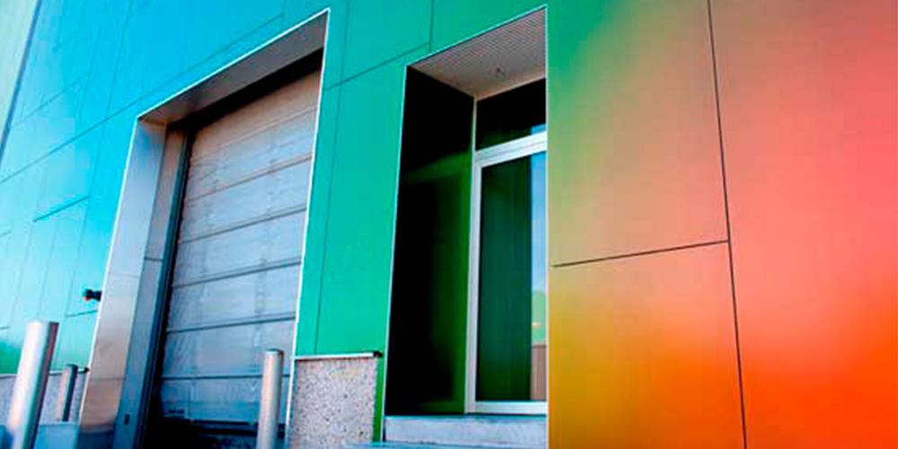 Hermanos Gómez fachada de composite.
